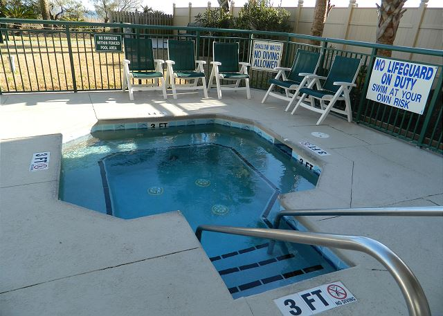 Relax and de-stress in the hot tub!