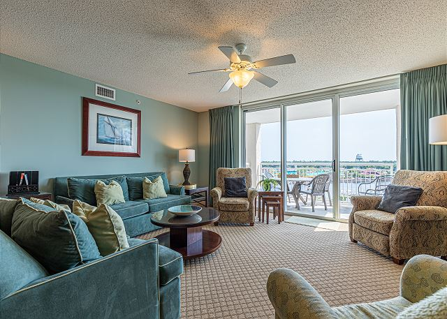 Yacht Club #803 Intracoastal Waterway Views
