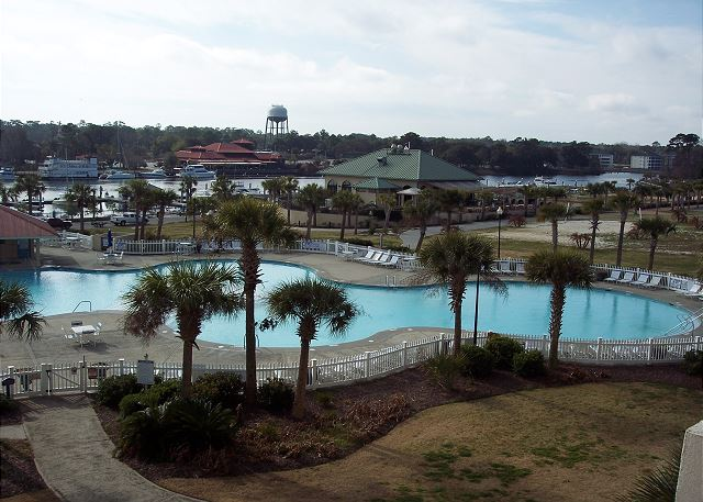 Spend your days by the pool and evenings at the marina grill or any of dozens of Barefoot Resorts great dining options.