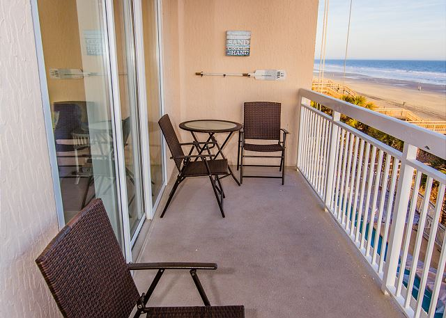 Large balcony with seating to enjoy the day!!!