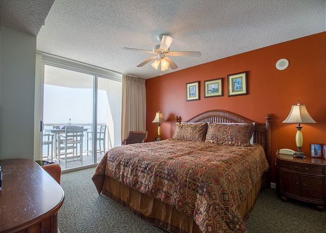 Enjoy the large oceanfront master bedroom, step out of bed and on to the balcony for coffee