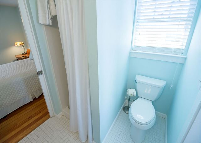 Jack-and-jill bathroom shared by two of the upstairs guest rooms -- both with queen beds.