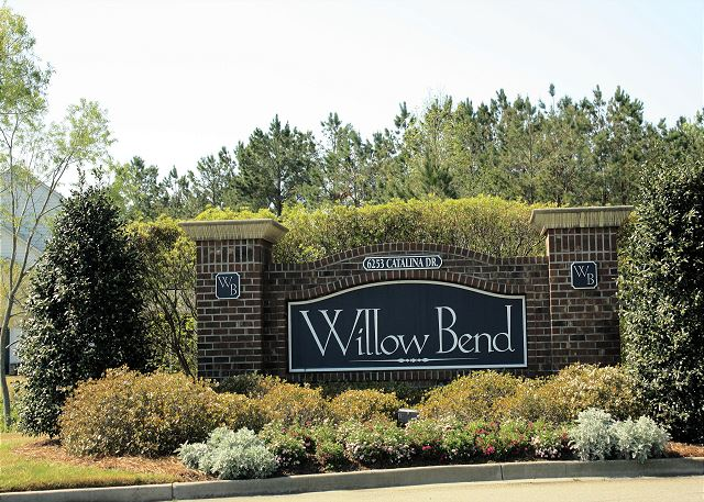 Entrance signage into Willow Bend