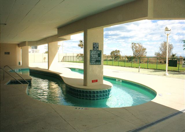 Windy Hill Dunes Lazy river and sun deck