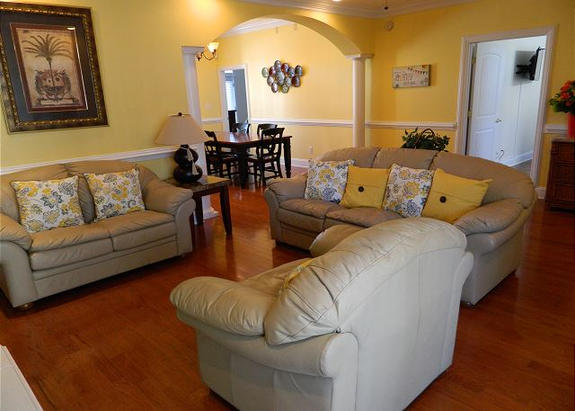 Spacious & Comfortable Living room