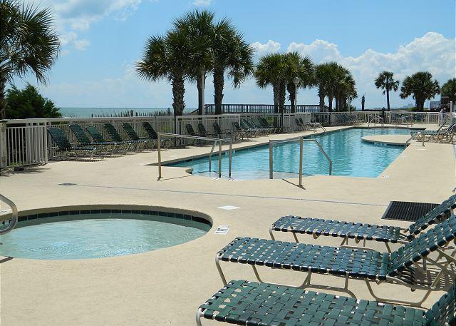 Kiddie pool & outdoor pool