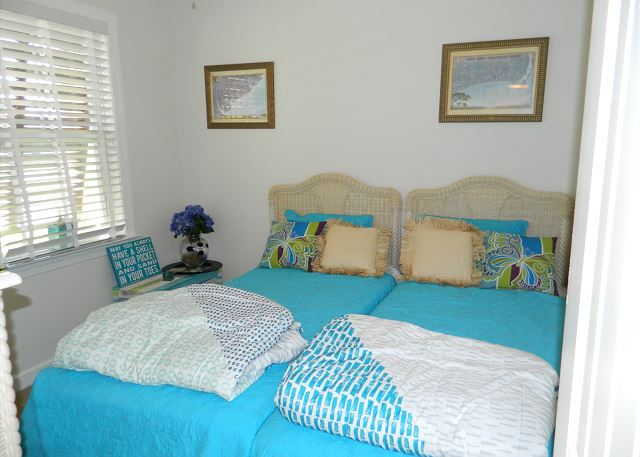 Downstairs bedroom with twin beds -- can be separated or pushed together.