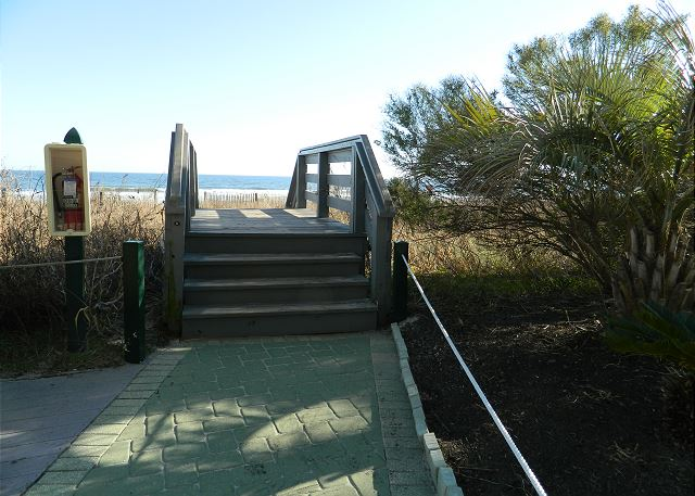 Just a few steps over the dunes to the beautiful Windy Hill beaches