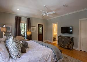 Master Bedroom w/ Smart HDTV