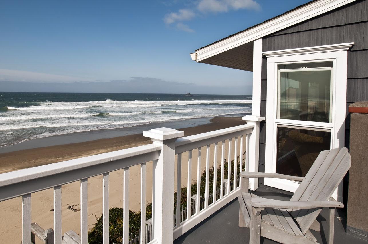 A Roads End Beach House Beach House Rental | A1 Beach ...