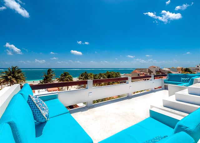 Beautiful and comfortable terrace facing the amazing Caribbean sea