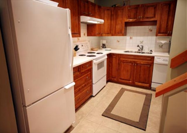 Full Kitchen with all appliances and dishwasher.