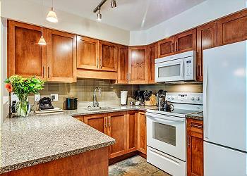 Whistler Condominium rental - Interior Photo - Full Kitchen