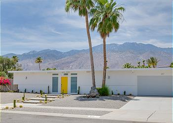 Desert Day Modern - Remodeled Palm Springs Vacation Home
