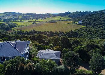 Vineyard Ridge, Onetangi