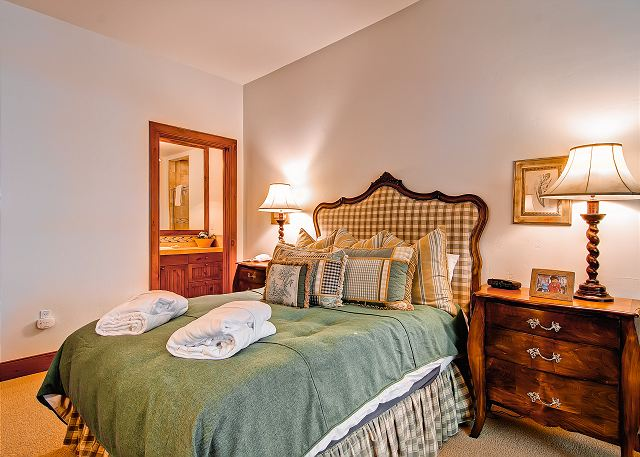 2nd Queen Room.