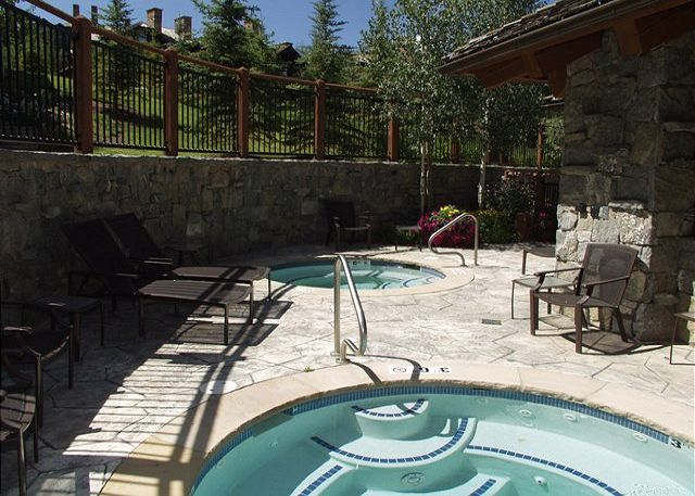 On Site Amenities include gas firepit, 2 outdoor hot tubs