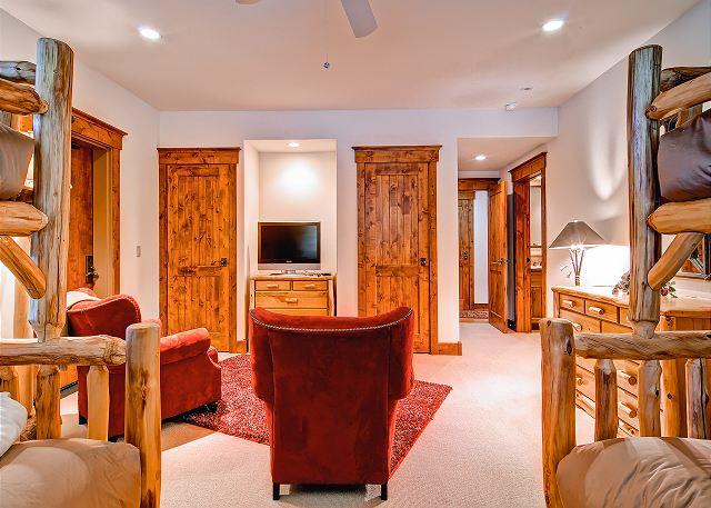 Bunk Room Lounge