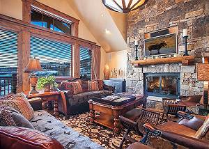 Firelight Lodge Ski In-Ski Out Bachelor Gulch- Majestic views!