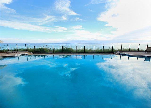 Infinity pool - gulf pool