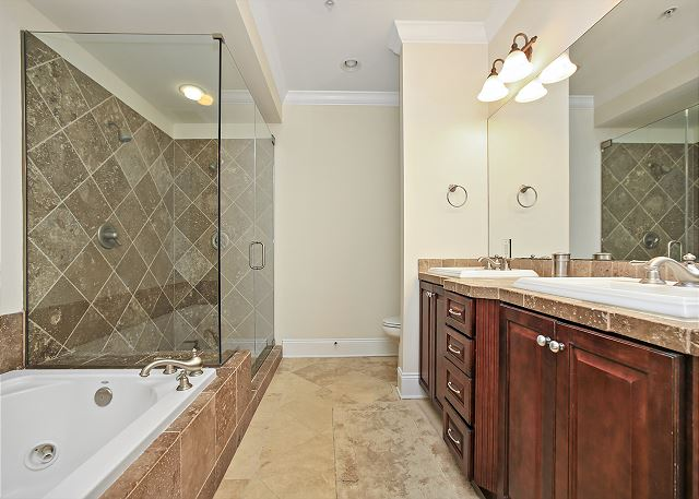 Adagio A-404 - Just Remodeled!!