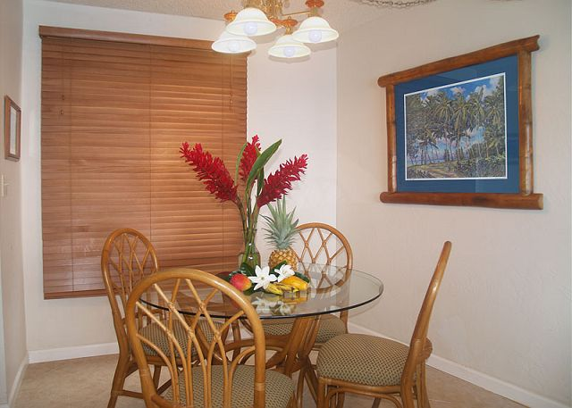 Dining area for four.