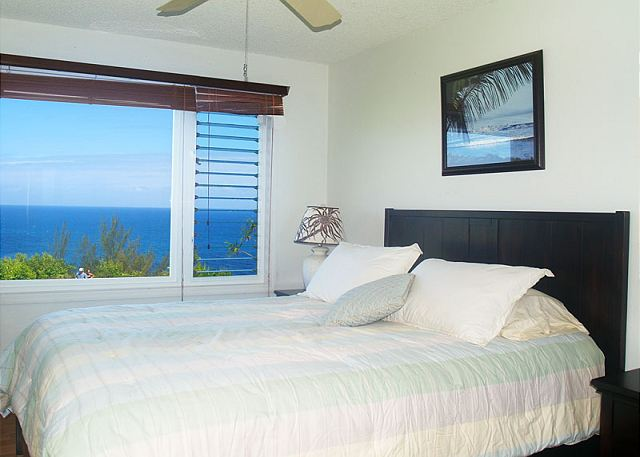 Ocean view second bedroom with Queen size bed (with memory foam topper).