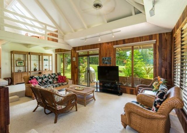 Family room with mountain and golf course views