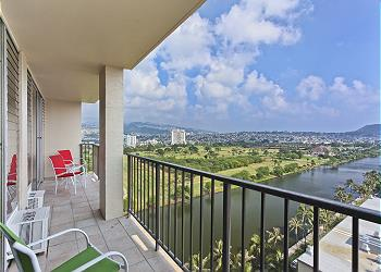 Fairway Villa Mountain View 2 BDR on the 19th Floor