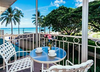 Waikiki Shore Ocean Front 1 BDR on the 2nd Floor