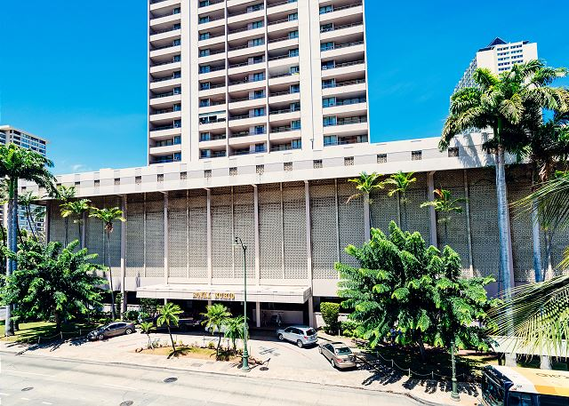 Royal Kuhio City 1 BDR on the 24th Floor | Waikiki Condos | Oahu