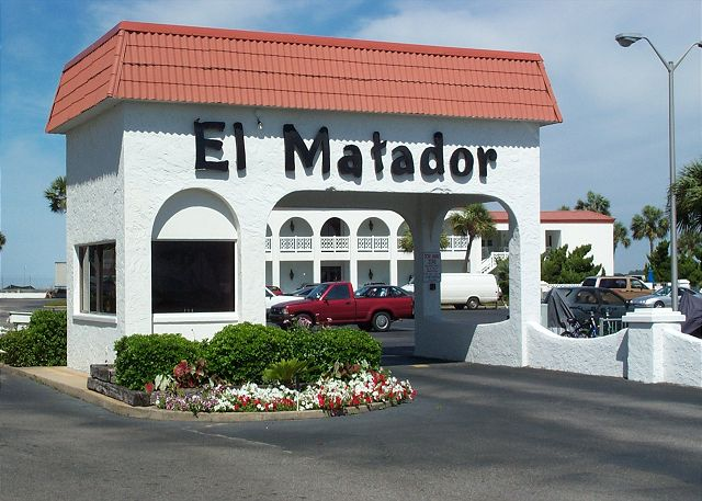 El Matador Beach Resort - 24 hour gated security.
