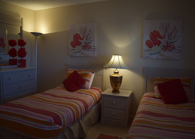 More of the guest bedroom.
