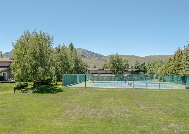 Ranch Tennis Courts