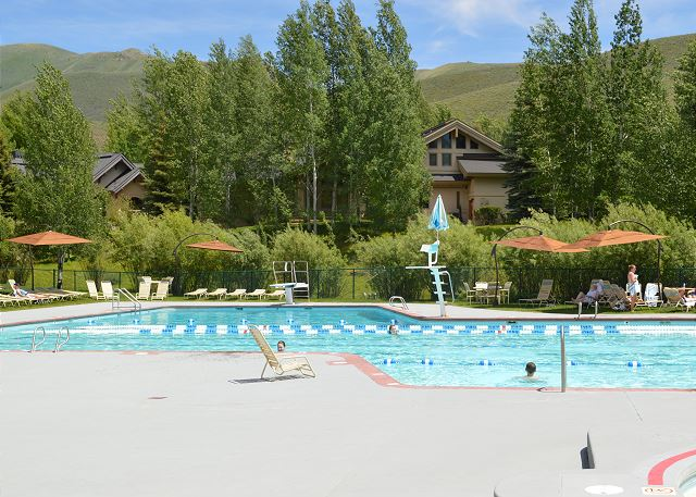 Elkhorn Resort Summer Pool
