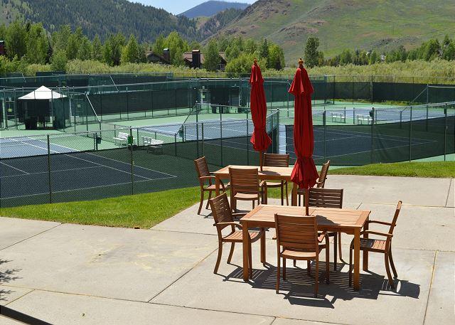 Elkhorn Resort Tennis Courts