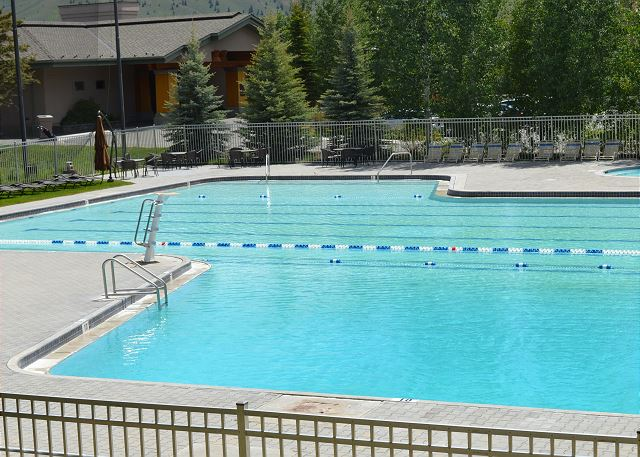 Elkhorn Resort Pool
