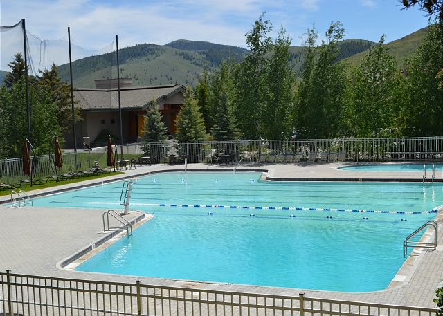 Elkhorn Resort Pool