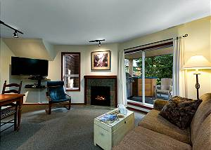99 Glaciers Reach, a 2br with hot tub & pool in Whistler Village