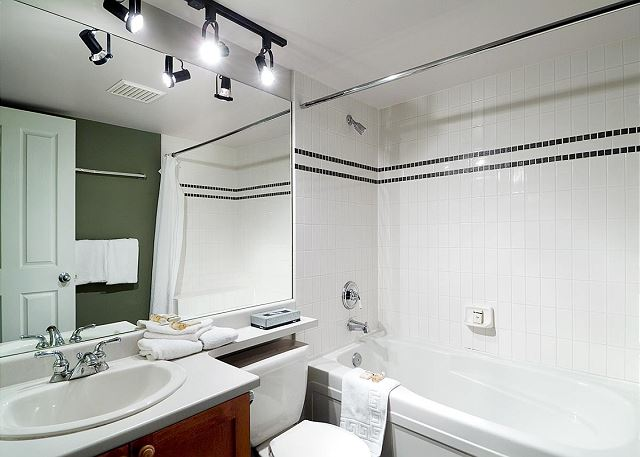 """""""The place was immaculate! Two full bathrooms and an in-suite washer and drier were very convenient."""""""