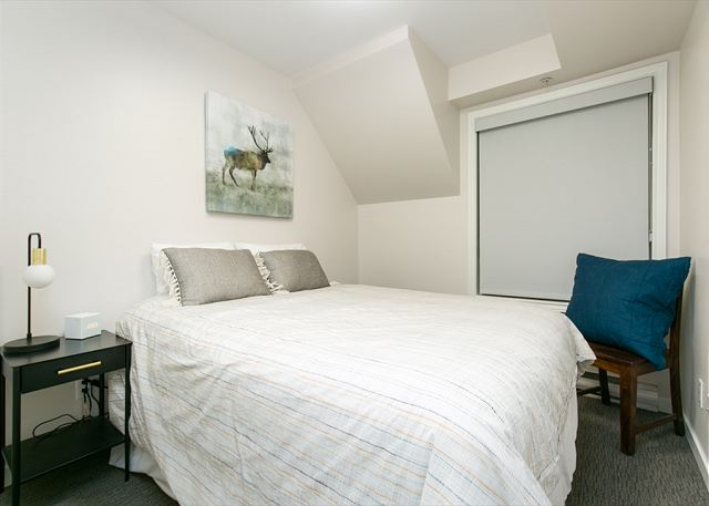 All of our homes have a queen bed and a pull out couch, this home has two twins that can be joined upon request.