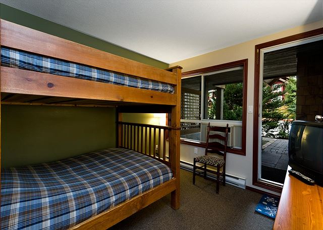 All of our homes have a queen bed and a pull out couch, this home has a full sized queen / queen bunk bed a well!