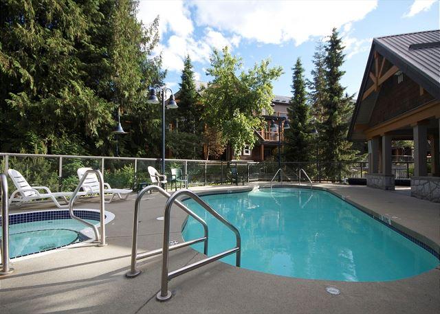Common Area Pool & Hot Tub