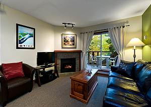 58 Glaciers Reach, a 1br with hot tub & pool in Whistler Village