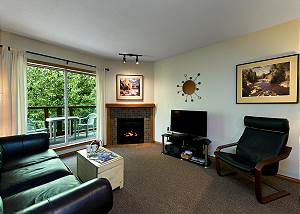 65 Glaciers Reach, a 1br with hot tub & pool in Whistler Village