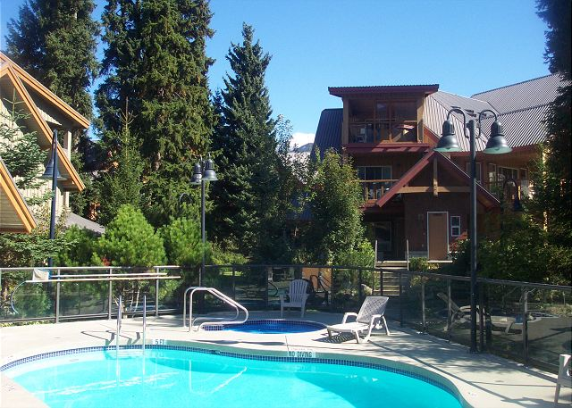 Glaciers Reach is well landscaped with a heated pool, shared hot tub, sauna and some excercise equipment.