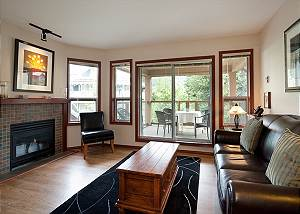91 Glaciers Reach, a 2br with hot tub & pool in Whistler Village