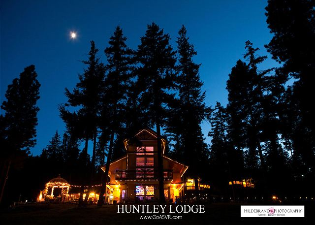 The Huntley Lodge at Dusk