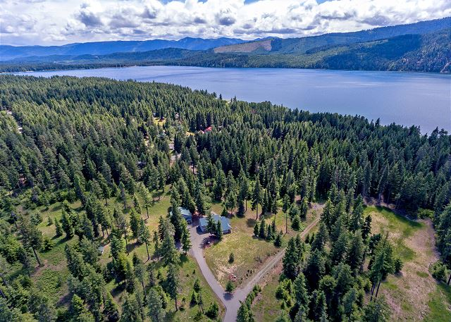 22 Private Acres on Lake Cle Elum!