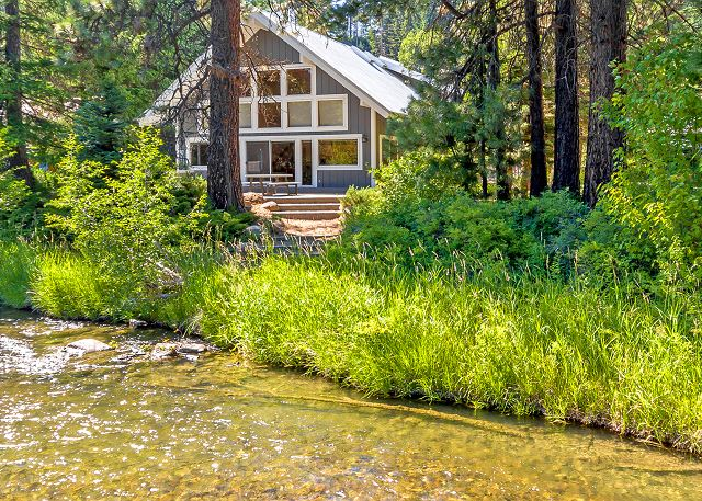 The River House on the shores of the scenic Yakima River!